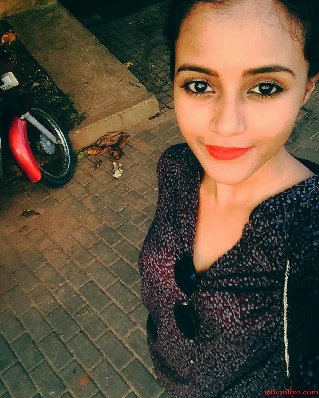 Dinakshie Priyasad new hot photos
