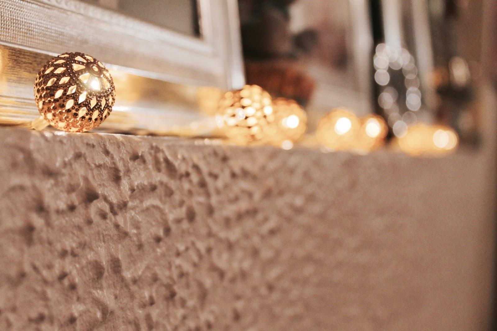 Golden detailed fairy lights