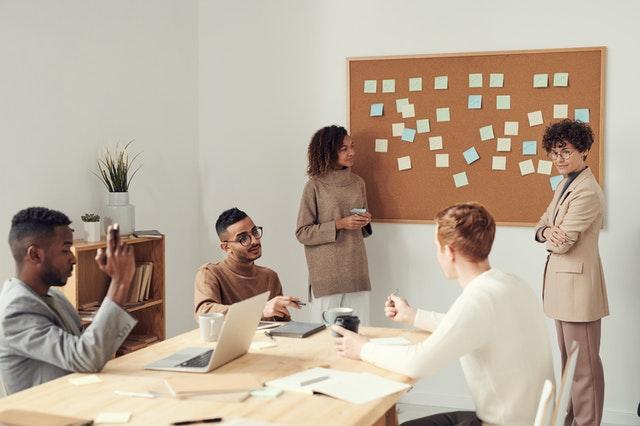 Karakteristik Komunikasi Dalam Kelompok