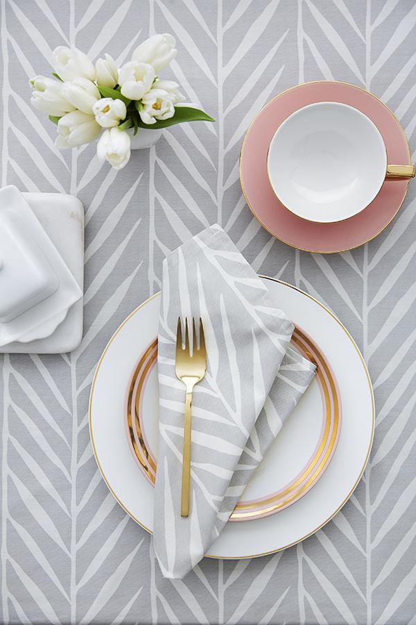 Samantha Pynn x Simons Susuki Grass print table linens