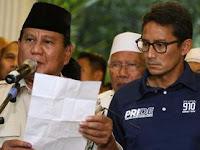 Wajah Lesu Sandiaga saat Prabowo Bacakan Deklarasi Menangi Pilpres 2019