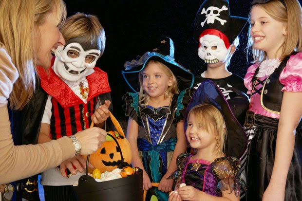 Group Halloween costumes ideas may also come in handy in pursuit of realizing the ultimate fantasy. This is so especially for the children where most of ...  sc 1 st  Halloween Articles & Halloween Articles: Group Halloween Costumes Ideas May Be the Better ...