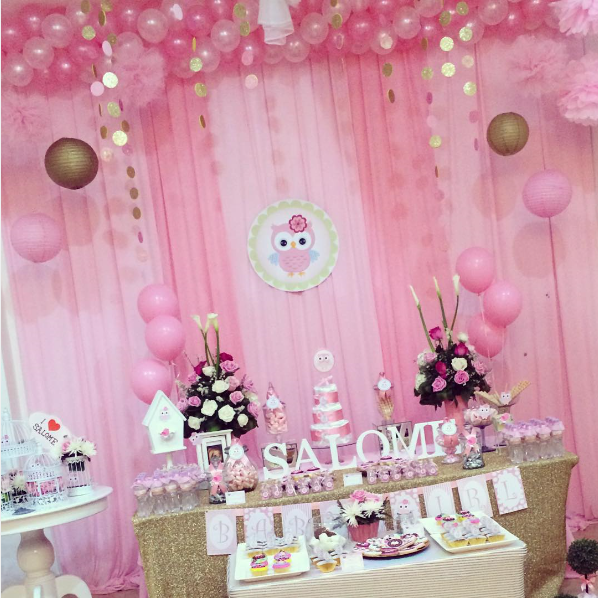 Un lindo b ho para decorar tu baby shower - Cortinas de hello kitty ...