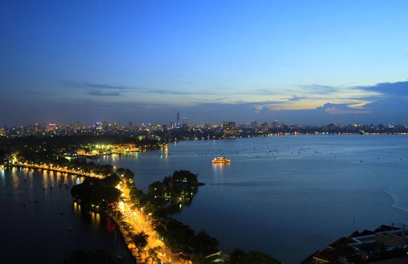 Cảnh đẹp Tây Hồ về đêm..