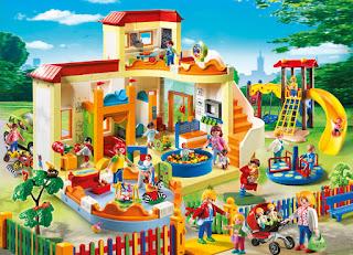 Univers Playmobil: garderie, crèche, aire de jeux