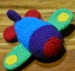 http://de.slideshare.net/daxarabalea/patrn-avin-sonajero-crochet?related=4