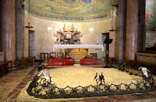terra santa jerusalem - pedra da agonia