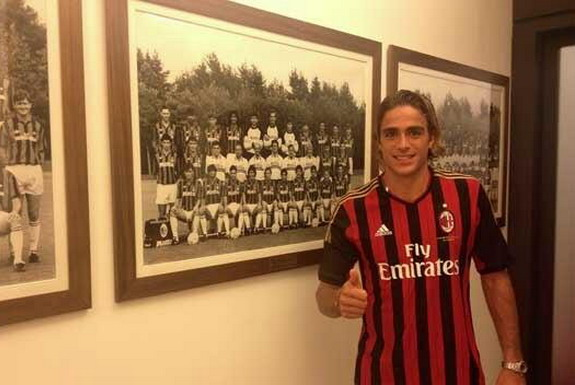 Alessandro Matri returns to AC Milan where he started his professional career