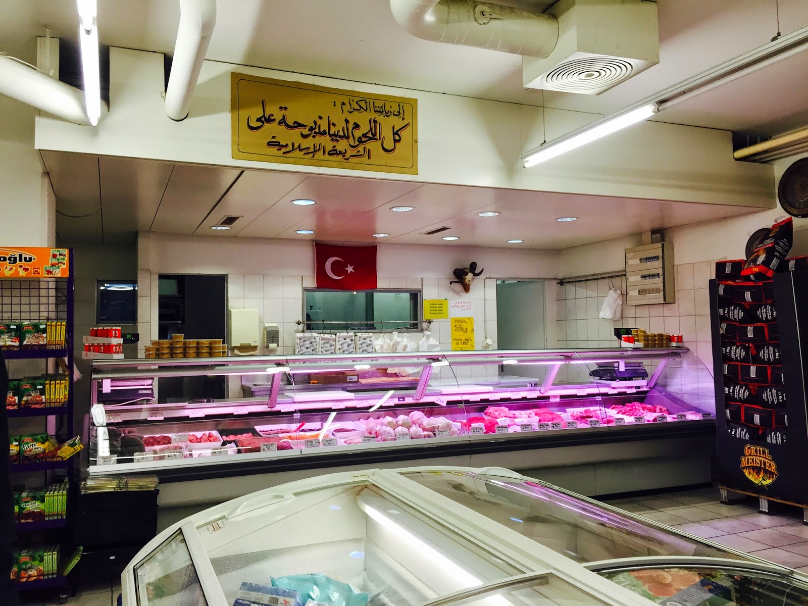 Hello Schweiz!: We found meat!