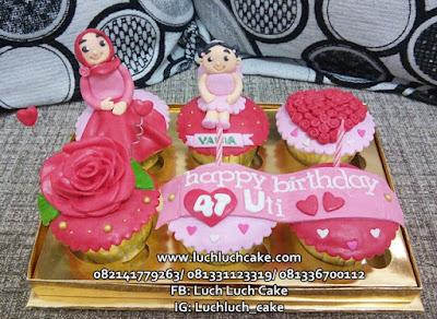 Cupcake Ulang Tahun Uti dengan Cucu
