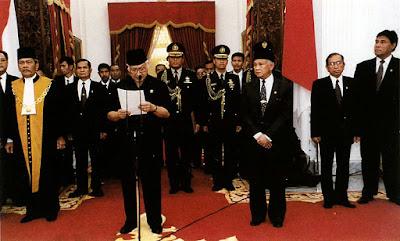 Pidato Lengsernya Suharto