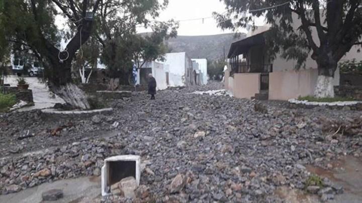 Σοβαρά προβλήματα από την ισχυρή βροχόπτωση στην Κάσο - ΦΩΤΟ