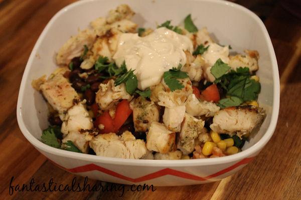 Better Than Chipotle Burrito Bowls // Who says you can't make a damn good burrito bowl at home?! #recipe #maindish #chicken #burritobowl