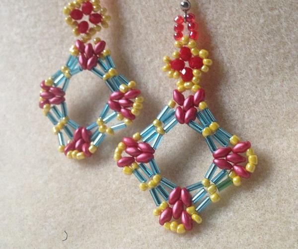 Two Pretty Bugle Bead Earrings Tutorial
