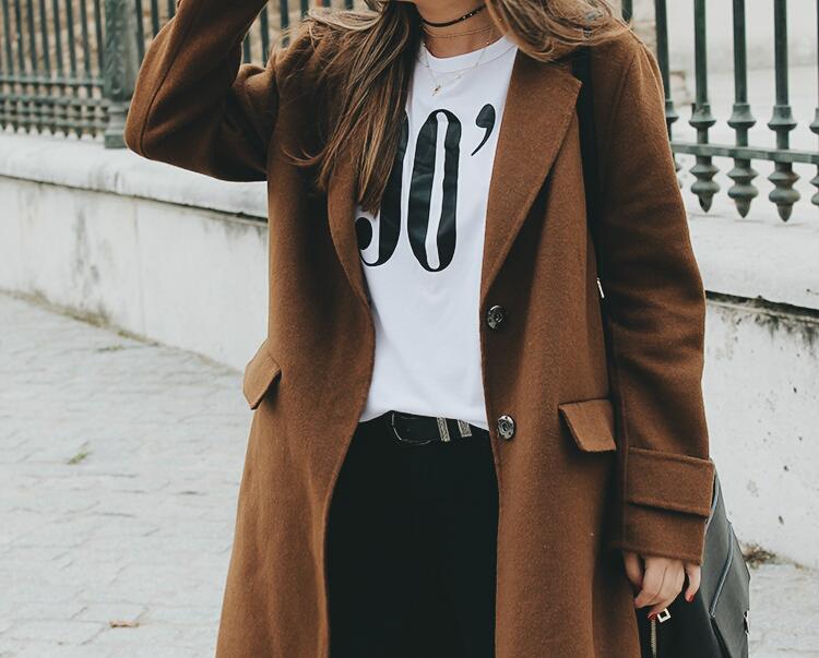 outfit-comodo-abrigo-marron-mango