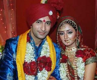 Rashami Desai Family Husband Son Daughter Father Mother Marriage Photos Biography Profile.