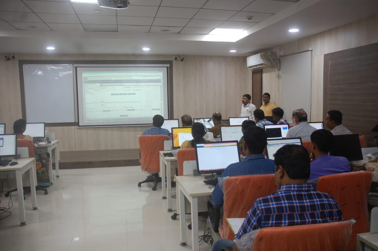 Jhabua News- कोषालय के  विभिन्न मॉडूयल का प्रशिक्षण आयोजित