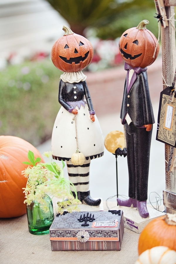 halloween+wedding+spooky+gothic+skeleton+october+fall+autumn+pumpkin+skull+ghoul+ghost+dress+up+costume+party+black+red+orange+tattoo+bride+bridal+groom+23 - Amaretto Finger Cookies