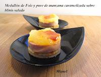 Medallón de foie y puré de manzana caramelizada sobre blinis salado