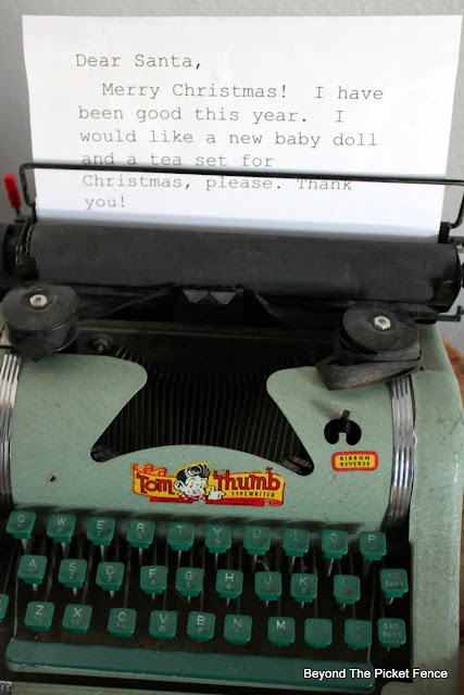 letter to Santa, typewriter, Christmas decor, https://goo.gl/xpejCP