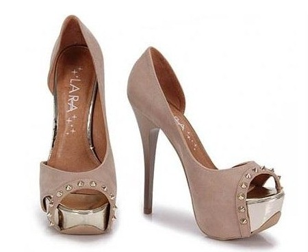 http://maissaudeebelezaonline.blogspot.com/2012/08/modelos-de-calcados-femininos.html