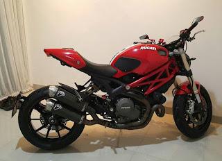 MOGE BEKAS DIJUAL : Jual Ducati Monster 1100 evo FP - SURABAYA