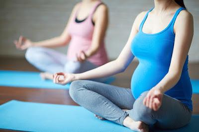 Các mẹ bầu sẽ bất ngờ với 4 lợi ích này từ việc tập Yoga