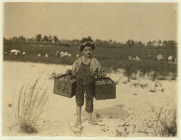 Workers as young as THREE that helped change labour laws (70 Pics)