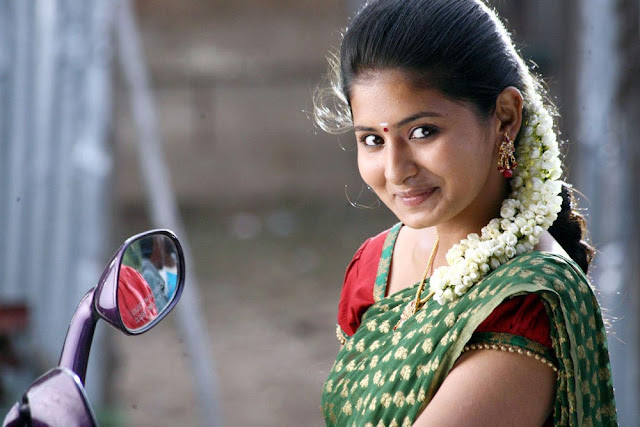 Reshmi Menon Cute Photos In Theneer Viduthi Movie