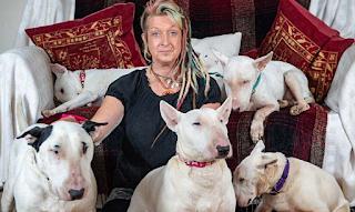 Άντρας είπε στην γυναικά του ή εγώ ή τα 30 σκυλιά σου και αυτή διάλεξε τα σκυλιά