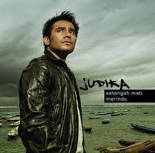 Lirik Lagu Setengah Mati Merindu - Judika dari album single terbaru, download album dan video mp3 terbaru 2018 gratis