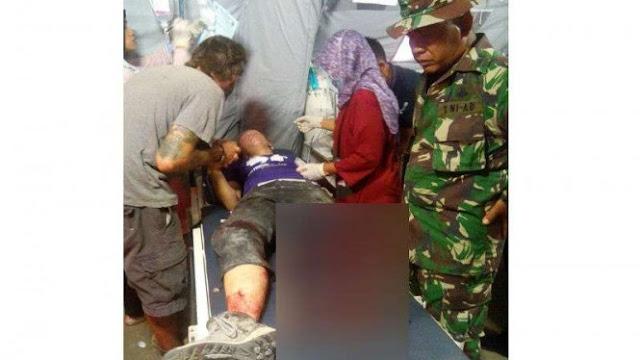 Kaki Relawan Asing Putus Tertimpa Bangunan Roboh di Lombok