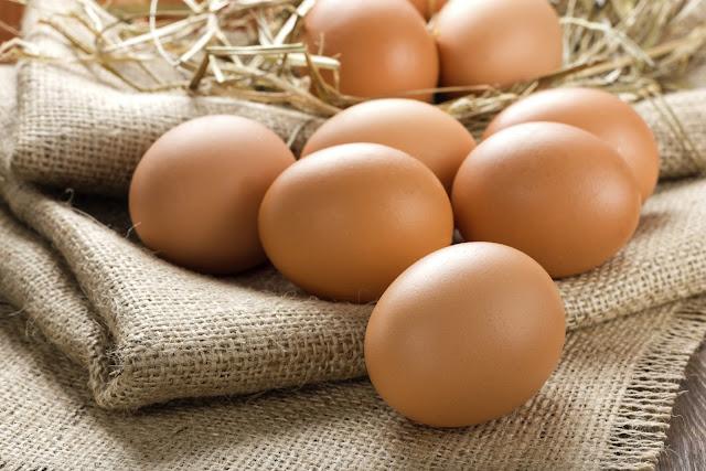la mejor fuente de proteínas es sin duda el huevo.