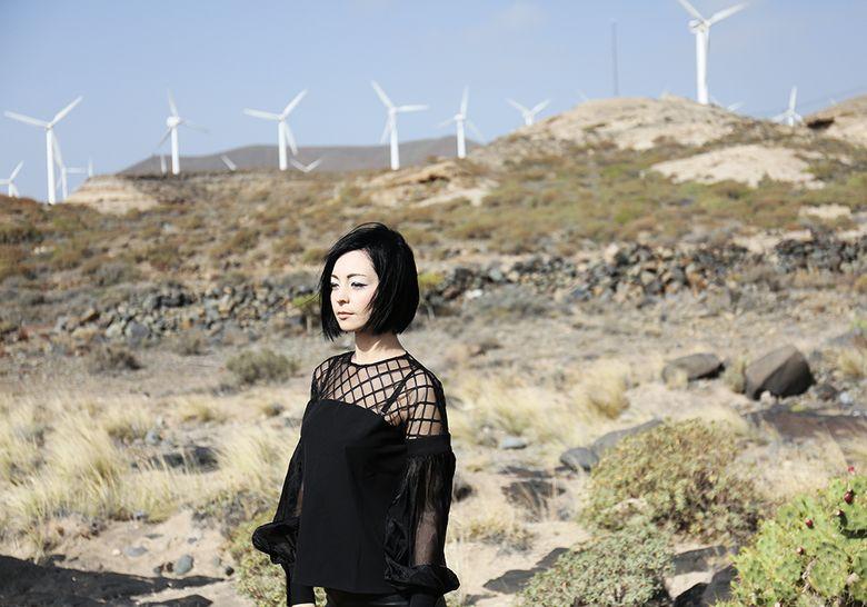 Aleksandra ladygin shein black blouse tenerife - Black friday tenerife 2017 ...