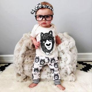 Foto Bayi Lucu Pakai Kacamata Terbau 2016