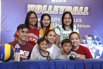 UP Maroons Volleyball Team Members Bond with Fans at SM City Rosales