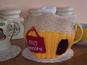 DOGS WELCOME TEA COSY