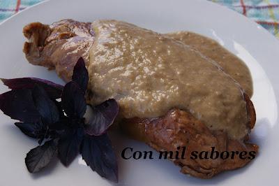 SOLOMILLO DE PAVO CON SALSA DE  NUECES