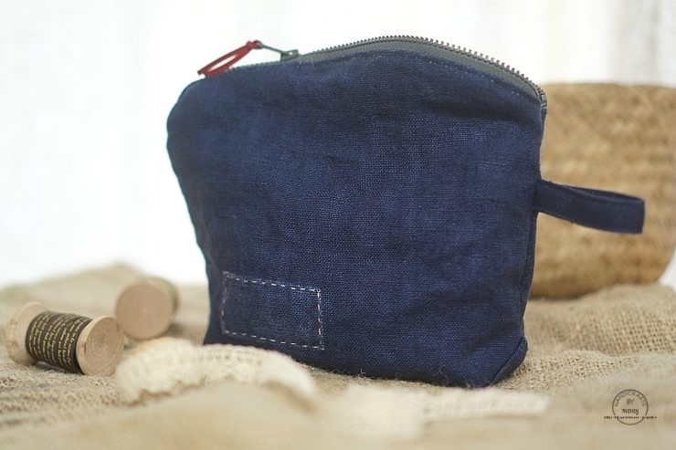 DIY Zipper Jeans Makeup Bag Tutorial.