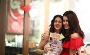rashi khanna birthday party photos-thumbnail-4