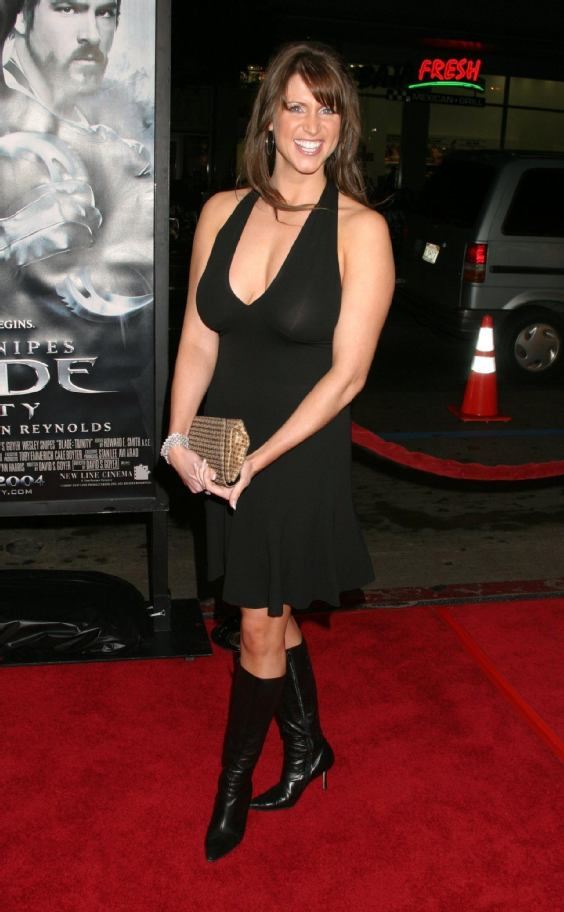 Cars 4 U >> Fascinating Articles and Cool Stuff: Stephanie Mcmahon Hot Wallpapers
