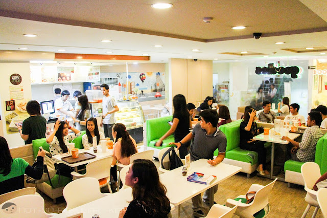 Goodles Interior in University Mall, Taft