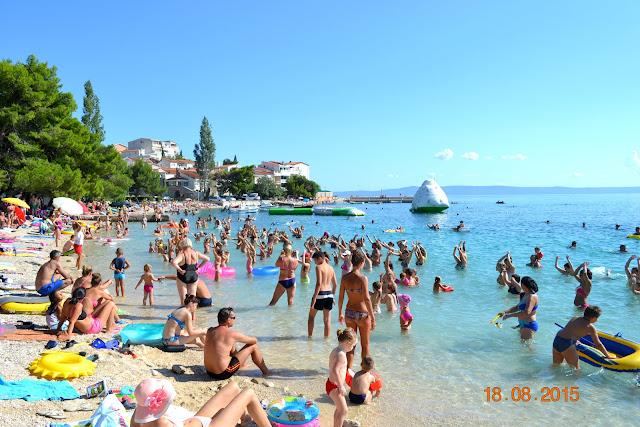 Aqua aerobik na plaży w Makarska