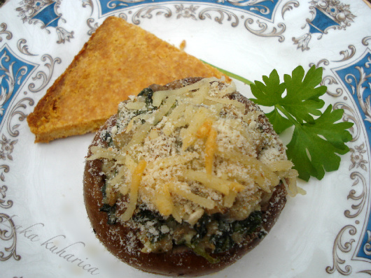 Stuffed Portobello mushrooms and Polenta triangles by Laka kuharica: light, tasty and appealing appetizer ideal for smaller parties.