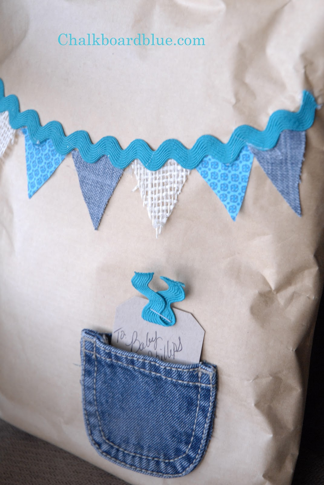 Quick Inexpensive Baby Gift Wrap Idea
