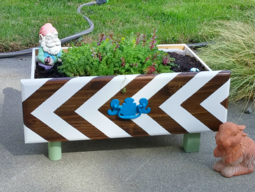 How to Make a Planter From an Old Drawer!