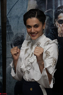 Taapsee Pannu at Launch Of her Training Video And Launch Of New Song Zinda March 2017 009.JPG