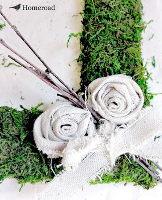 DIY Square Moss Wreath. Homeroad.net