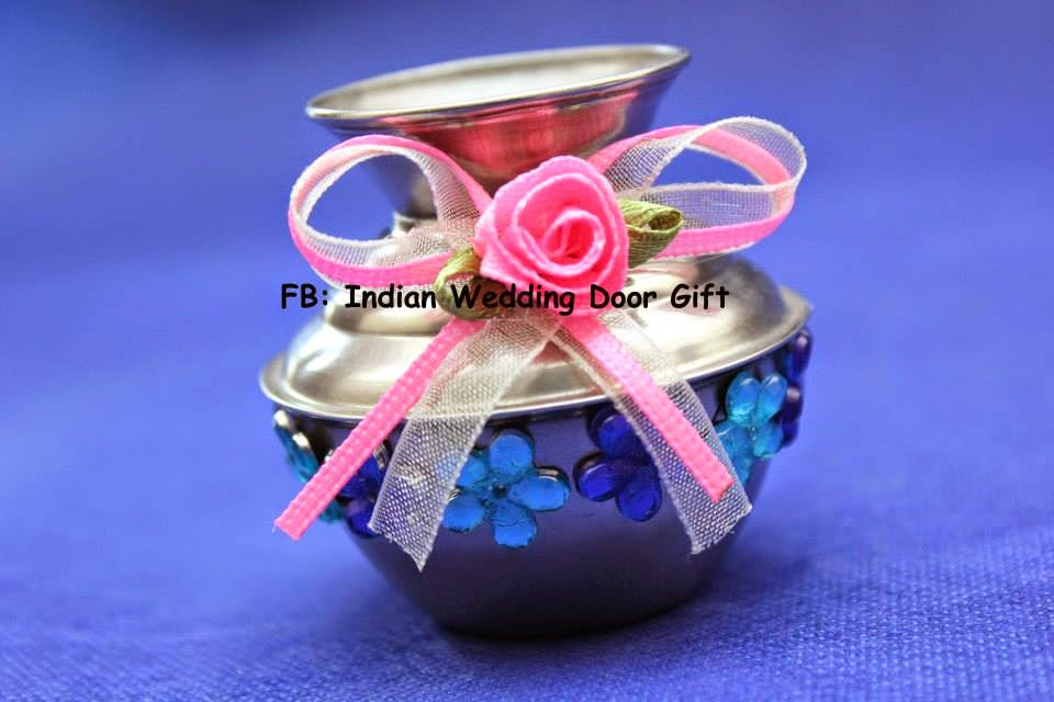 Door Gift For Wedding: Indian Wedding Door Gift: Indian Kum Kum Containers /Small