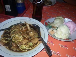 10 Tempat Wisata Kuliner Semarang Terkenal Murah dan Enak